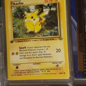1st edition Pikachu pokemon card 60/64